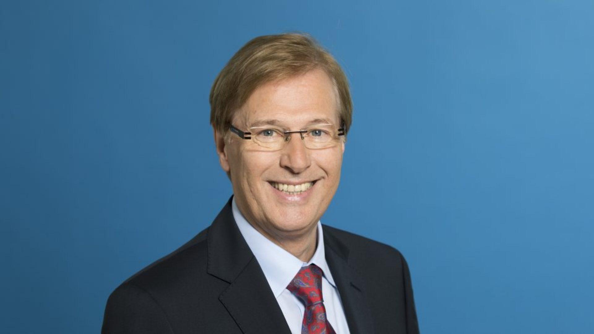 peter.biesenbach